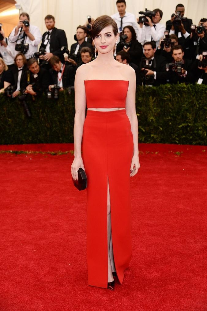 Anne Hathaway, lighter than a whisper