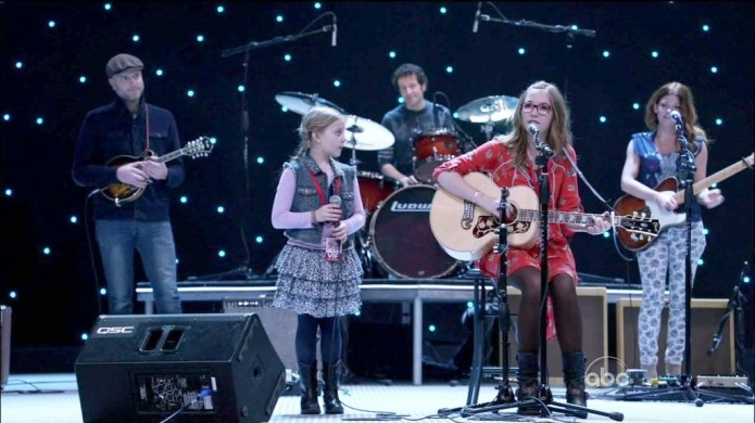 Lennon and Maisy Stella 1