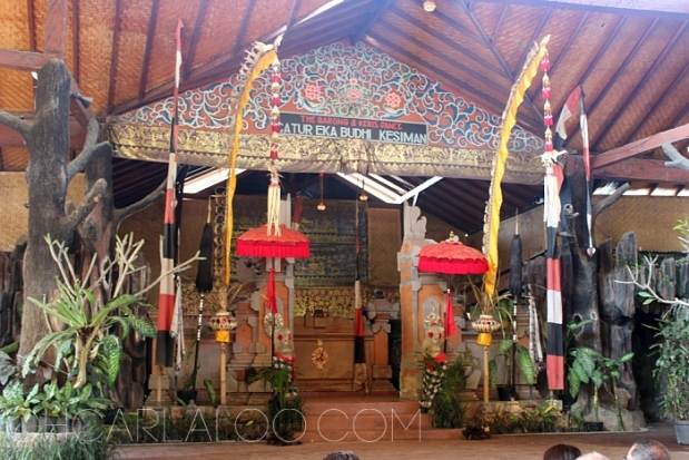 The stage is just boastful of everything rich about Bali: the culture and the arts.