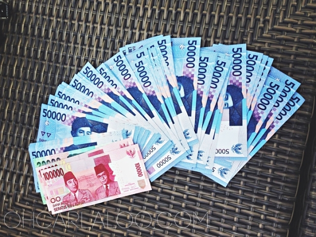 With an exchange rate of US$1:IDR13,400, we're millionaires in Bali. But then, everything starts at IDR10,000.